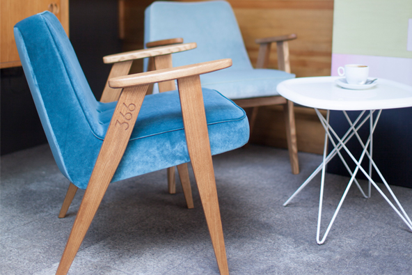 Krzesło proj. Józefa Chierowskiego, 366 Concept