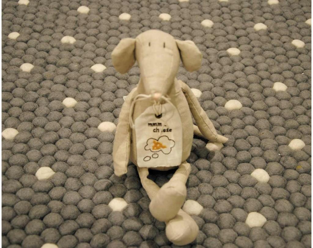 bio-wełny-dywan-szary-zabawki