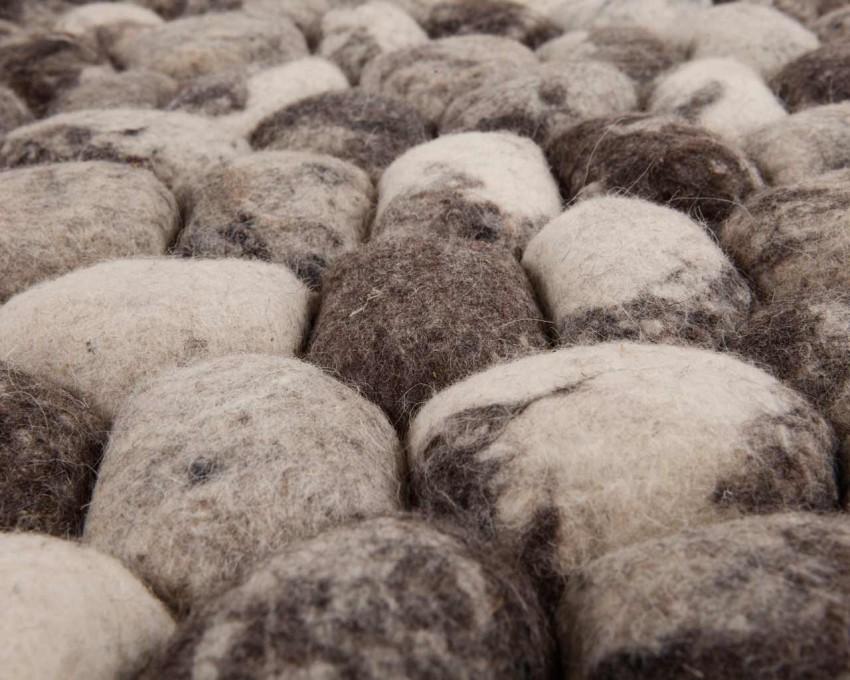 rabatu-kamienie-cen-dywan